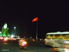 Nha Trang, la nuit, Vietnam, juillet 2012.