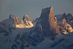 Pico Urriellu, Picos de Europa  | Cantabria | Spain Asturias Spain, Spain And Portugal, Beautiful Landscapes, Celtic, Environment, Spaces, Explore, Nature, Pictures