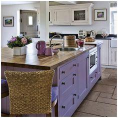 Kitchen paint country interior design 34 New ideas Purple Kitchen Cabinets, Purple Kitchen Decor, Lavender Kitchen, Kitchen Cabinet Colors, Kitchen Paint, Kitchen Colors, New Kitchen, Island Kitchen, Kitchen Ideas
