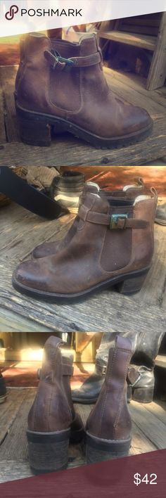 "Vintage Brown Ankle Boots Cute pair of rugged ankle boots | Vintage w/some tarnish on the buckles. 3"" heel/ Souls in great condition✨ Perfect everyday Fall attire! 🍁🍂 GAP Shoes Ankle Boots & Booties"