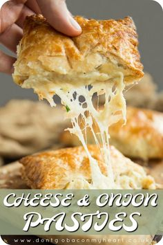 Potato, Cheese and Onion Pasties Is there a more delicious combo than cheese, onion and potato? Absolutely not when it's pouring out of puff pastry that's for sure! Seafood Recipes, Appetizer Recipes, Vegetarian Recipes, Cooking Recipes, Salad Recipes, Brunch Appetizers, Tostadas, Tacos, Empanadas