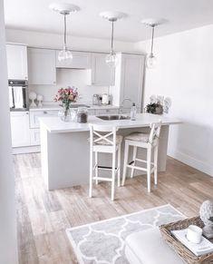 Grey Kitchen Diner, Grey Shaker Kitchen, Grey Kitchen Floor, Kitchen Diner Extension, Open Plan Kitchen Dining, Shaker Style Kitchens, Kitchen Layout, Kitchen Flooring, New Kitchen