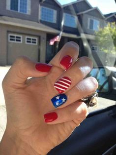 For all my American babes, it's almost 4th of July! Let the festivities begin, BBQ's, celebrations, fireworks and spending time with your loved ones is so much fun. To show some patriarchy, you gotta do your nails with red, white, and blue colors & designs. We've put together 14 festive 4th of July nail designs that you should consider trying!