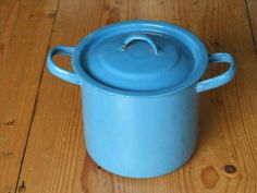 Blauw emaille pan.