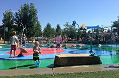 Cheap and fun family activities to do while visiting Denver, Colorado area. This amazing splash pad is located in Centennial, CO - just outside of Denver maybe 20-30 miles. More ideas in this post! #travel #colorado #denver #familyfun #vacation