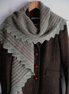 Really nice garter stitch wrap patten #ravelry #knitting