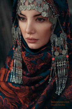 Discover comfy, high quality organic clothes for girls, boys, babies Traditional Fashion, Traditional Dresses, 3d Foto, Arabian Women, Arab Fashion, Russian Fashion, Beauty Around The World, Beautiful Costumes, Tribal Fusion