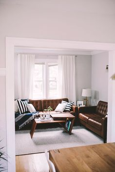To Choose Brown Leather Couch Living Room Color Schemes Gray Walls 98 Brown Leather Couch Living Room, Living Room Grey, Home Living Room, Living Room Decor, Dark Brown Couch, Leather Couches, Living Room Color Schemes, Paint Colors For Living Room, Living Room Inspiration