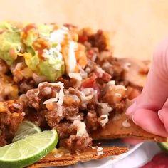 Fat Head Nachos Healthy keto nachos using the famous mozzarella dough. Check out her website. Keto Diet List, Diet Food List, Keto Diet Plan, Keto Meal, Diet Plans, Ketogenic Recipes, Diet Recipes, Cooking Recipes, Big Mac