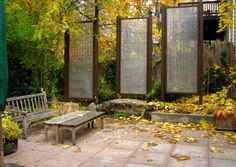 long-wire-pannels-for-privacy These privacy screens were built using hog wire fencing and they can be customized according to the specific dimensions and purpose required. They're tall and simple and they don't stand out that much.{found on terrabellainc}.
