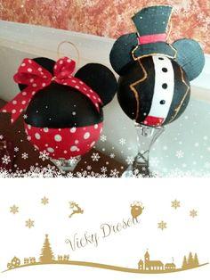 Χριστουγεννιάτικες μπάλες ζωγραφισμένες με ακρυλικά