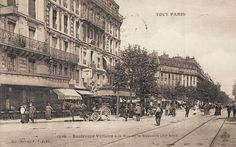 Le boulevard Voltaire au niveau de la rue de la Roquette, vers 1900.