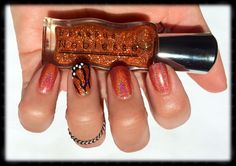 """Butterfly effect. Dear Rus """"Sandstone 41"""" flutters with Joss holographic """"Alternate Dimension"""" in this Monarch inspired mani. #nails"""