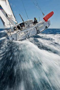 Le Chameau sailing