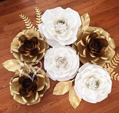 Paper roses / paper flowers / decor / baby shower