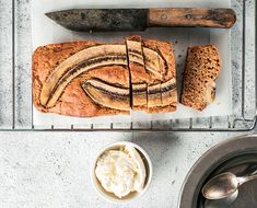 Adulting Is Hard. This Banana Bread Is Easy. This healthy banana bread from Sweet Laurel is grain, gluten, dairy and refined sugar-free, but every bit as magical as your mama's classic version… Homemade Banana Bread, Healthy Banana Bread, Banana Bread Recipes, Lactose Free Diet, Vegan Gluten Free, Dairy Free, Sugar Free, Sweet Tooth, Yummy Food