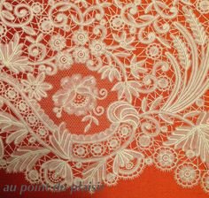 *Au point du plaisir* bobbin lace, duchesse