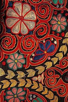 DK's D-Light - DK Designs Brazilian Embroidery pattern & fabric - Embroidery Design Guide Motifs Textiles, Textile Patterns, Textile Design, Embroidery Art, Embroidery Patterns, Mexican Embroidery, Motif Art Deco, Textile Fiber Art, Brazilian Embroidery