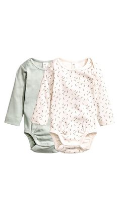 bodies i box 149 kr från H&M H&m Fashion, Baby Girl Fashion, Kids Fashion, Baby Outfits, Kids Outfits, Baby Winter, Summer Baby, Pyjamas, Bodies