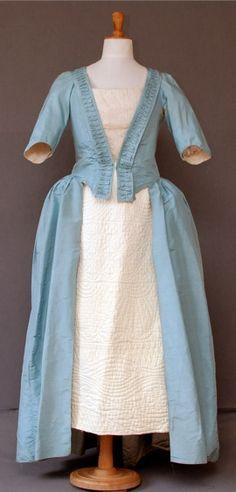 Polonaise Gown - c 1770-80 - silk tafetta