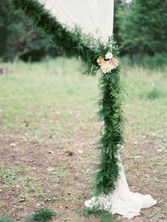 Fern garland: http://www.stylemepretty.com/2015/03/16/woodland-chic-outdoor-idaho-wedding/ | Photography: Rebecca Hollis - http://rebeccahollis.com/