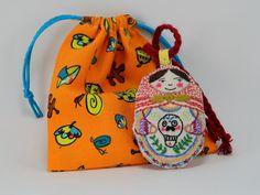 Alicia, matrioskita bordada con calavera Drawstring Backpack, Sewing Crafts, Backpacks, Embroidery, Knitting, Fashion, Tejidos, Bag, Skulls
