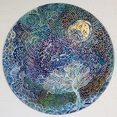 Art Therapist paints vinyl
