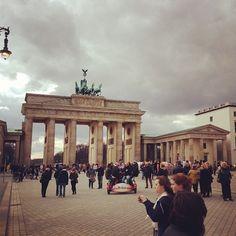 *DONE* Brandenburg Gate, Berlin. Fall SU Strasbourg students begin their Signature Seminar in Berlin and take a trip to the Brandenburg Gate. Places Around The World, Oh The Places You'll Go, Travel Around The World, Places To Travel, Places Ive Been, Places To Visit, Around The Worlds, Berlin Ick Liebe Dir, Brandenburg Gate