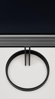 BeoVision Horizon on the floor stand. Flexible Elegance.