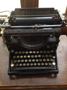 Antique Black Cast Iron Underwood Typewriter via Etsy. Underwood Typewriter, Antique Typewriter, Brown Paper Packages, Vintage Typewriters, Cast Iron, Vintage Antiques, Black Beauty, Tins, Beauty