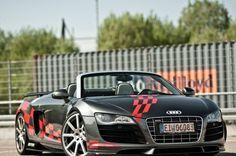 2013 Audi R8 V10 Spyder front angle