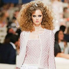 The latest in Fashion Editorials, Ad Campaigns and Fashion Shows Chanel Dubai, Chanel Cruise, World Of Fashion, Fashion Show, Chanel Makeup, Princess Cruises, 2015 Hairstyles, Spring Summer Trends, Big Hair