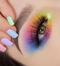 28 Charming Eye Makeup look ideas for woman this season Natural eye makeup ideas, eye makeup looks , makeup look ideas, eyeshadow makeup ideas, creative eye makeup ideas Makeup Eye Looks, Eye Makeup Art, Colorful Eye Makeup, Natural Eye Makeup, Blue Eye Makeup, Cute Makeup, Smokey Eye Makeup, Eyeshadow Makeup, Eyeshadow Looks