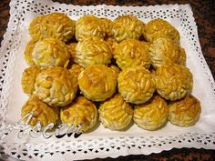Panellets Spanish Food, French Food, Muffin, Cooking Recipes, Sweets, Breakfast, Desserts, Halloween, Recipes
