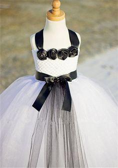 38.00$  Watch now - https://alitems.com/g/1e8d114494b01f4c715516525dc3e8/?i=5&ulp=https%3A%2F%2Fwww.aliexpress.com%2Fitem%2F2-12age-Princess-Dress-White-and-Black-Rose-Flower-Bow-Girls-Tutu-Dress-Birthda-Pageant-Dress%2F32477281833.html - 2-12age Princess Dress White and Black Rose Flower & Bow Girls Tutu Dress, Birthda/Pageant Dress,Photography Props 38.00$
