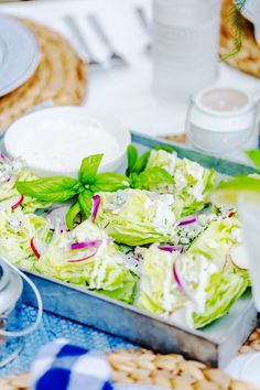Learn how to make mini wedge salads - the perfect party starter! They are a great beginner course for a dinner party or quick weeknight meal! Salads For A Crowd, Salad Recipes For Dinner, Sin Gluten, Gluten Free, Quinoa, Feta, Party Food For Adults, Wedge Salad, Salad Bar