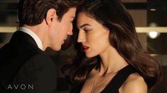 Veja a história de duas sensuais fragrâncias e uma história de amor. youtu.be/r5-FEnzowcs