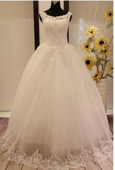 Vestido de noiva Bride Wedding Dress Lace Embroidered Beading Vintage Sweet Straps yarn puff Wedding dress 2014 Wedding gowns