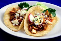 "For good tacos, you need fresh, hot tortillas and a zesty filling Canned chipotle chiles will do the trick with their smoky heat; it& an easy way to get flavor fast Look for small cans with ""chipotle chiles in adobo"" on the label Brownie Desserts, Oreo Dessert, Mini Desserts, Coconut Dessert, Chipotle Recipes, Chicken Taco Recipes, Chipotle Chicken, Honey Chicken, Chicken Tacos"