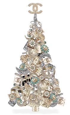 Chanel Christmas tree I want it. Christmas Tree Earrings, Christmas Jewelry, Coco Chanel, Chanel Jewelry, Jewelery, Chanel Necklace, Glamour Moda, Mademoiselle Coco, Mode Poster
