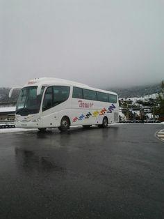 Autobus en un dia de nieve