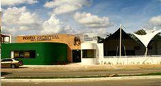 Mérida: Calle 61 No. 250 por calle 32 y 32 A Col. San Ramón Norte Mérida, Yucatán. Tel.(01-999) 944-5766