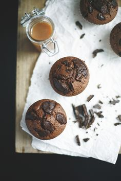 salted caramel muffins... It feels wrong pinning these after working out, but they look amazing!