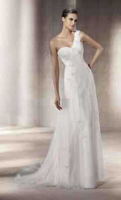 Pronovias Paseo 10 find it for sale on PreOwnedWeddingDresses.com