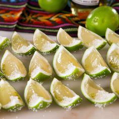 Corona Lime Jell-O Shots - Lebensmittel Snacks Für Party, Party Drinks, Cocktail Drinks, Fun Drinks, Cocktail Recipes, Alcoholic Drinks, Vodka Cocktails, Pool Party Recipes, Chambord Cocktails
