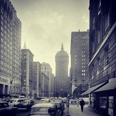 A wonderful vintage shot of Park Avenue in 1954.