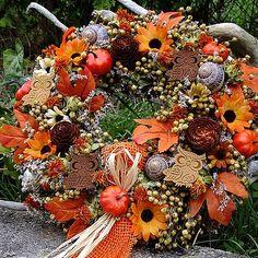 Autumn Wreaths, Christmas Wreaths, Outdoor Wreaths, Wreaths For Front Door, Floral Wreath, Holiday Decor, Creative Ideas, Inspiration, Color