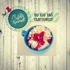 Kahvaltı yogurt yulaf meyve.Breakfast yoghurt oat fruit Instagram Diyette Degilim