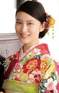 Emi takei. Japanese actress. Japanese traditional kimono style.
