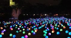 Outdoor summer party idea - put glow sticks inside a balloon and put them all over your yard.  www.blog.portoalegre.cc